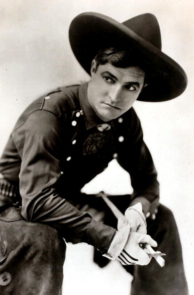 Portrait of American film actor Tom Mix, circa 1930. | Photo: Getty Images