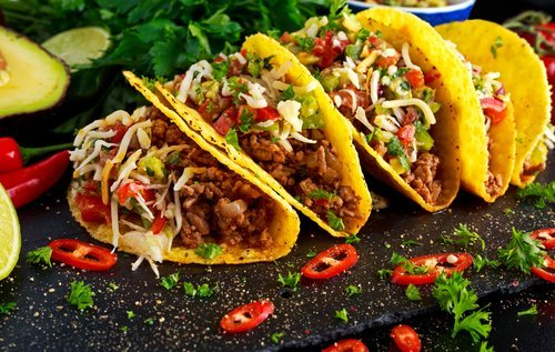Taco shells with ground beef and home made salsa. | Source: Shutterstock