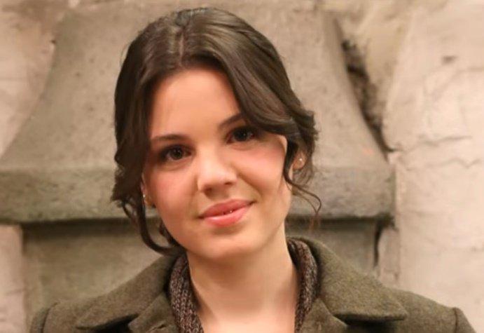 Paula Ballesteros, actriz española. | Foto: YouTube/TubiamoTV