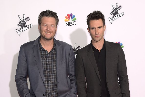 Blake Shelton and Adam Levine at NBC's 'The Voice' Season 7 Red Carpet Event in Universal City, California.| Photo: Getty Images.