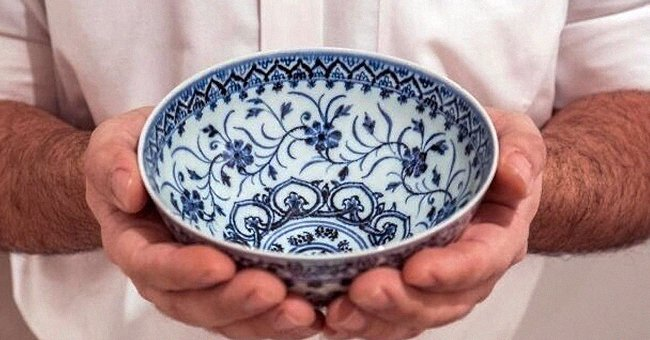 Bowl Bought at a Yard Sale for $35 Is Revealed to Be a Rare Chinese Artifact Worth up to $500K