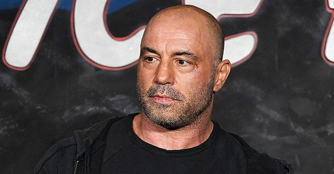 Comedian Joe Rogan performing at The Ice House Comedy Club in Pasadena, California | Photo: Michael S. Schwartz/Getty Images