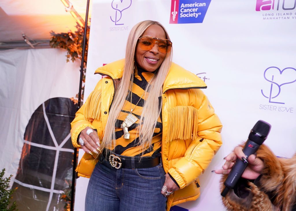 Mary J Blige attends as Mary J Blige and Simone I Smith launch their Sister Love Jewelry Holiday Pop Up Shop In Long Island City, NY at Aloft Long Island City | Photo: Getty Images