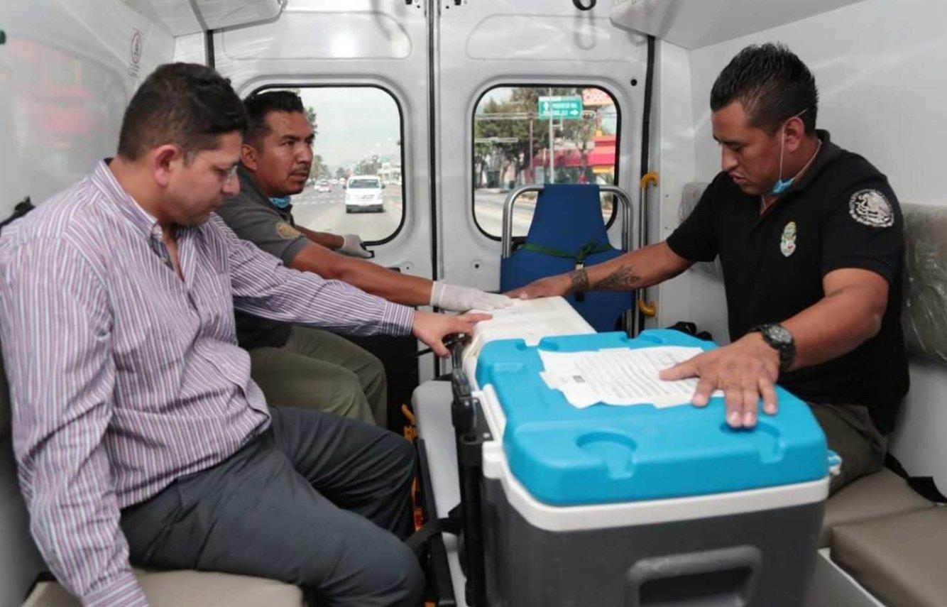 Otros de los órganos fueron transportados en ambulancia. Fuente: Twitter/AztecaNoticias