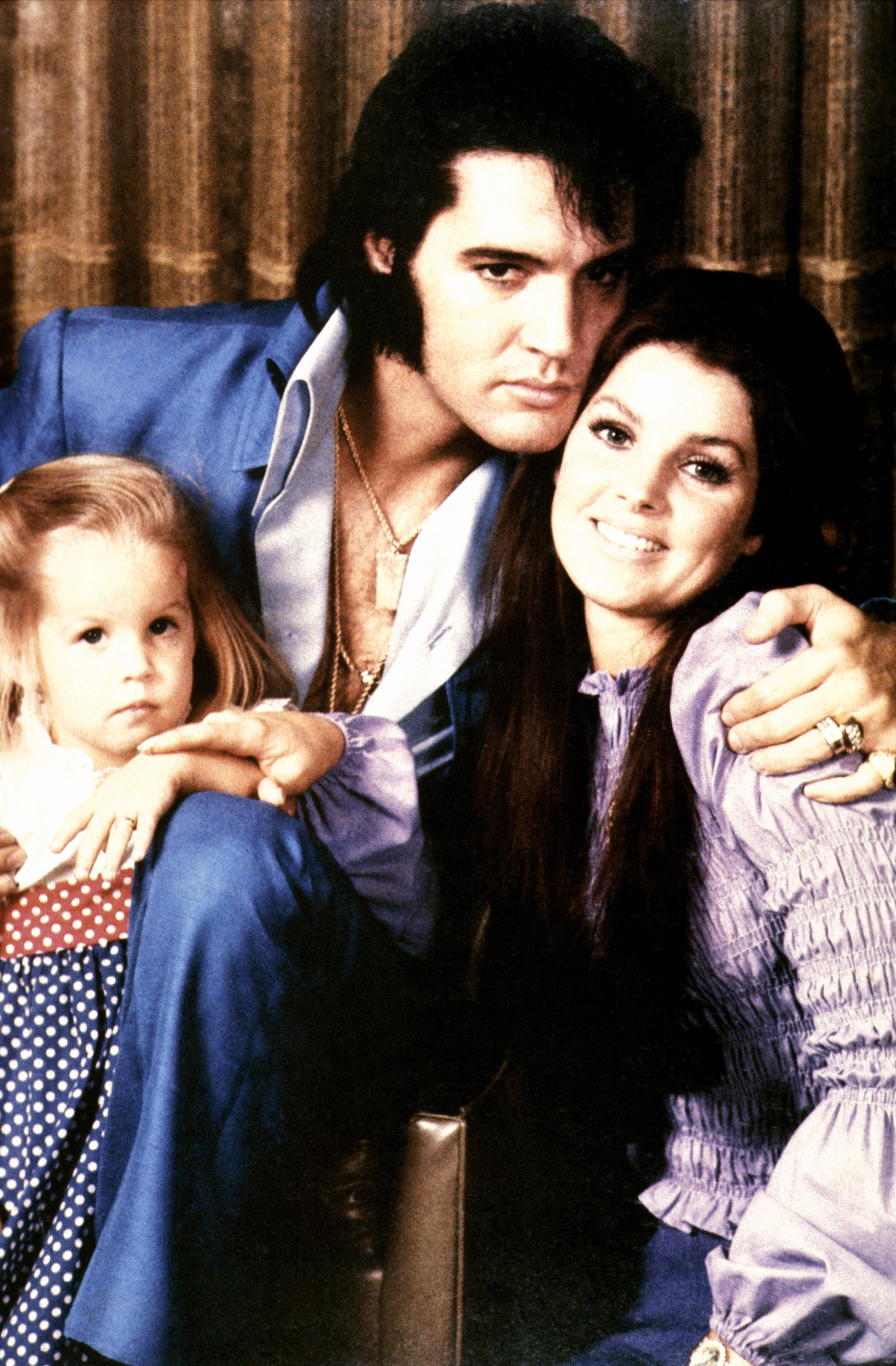 Elvis Presley, with his wife Priscilla and daughter Lisa-Marie circa 1970 | Source: Getty Images