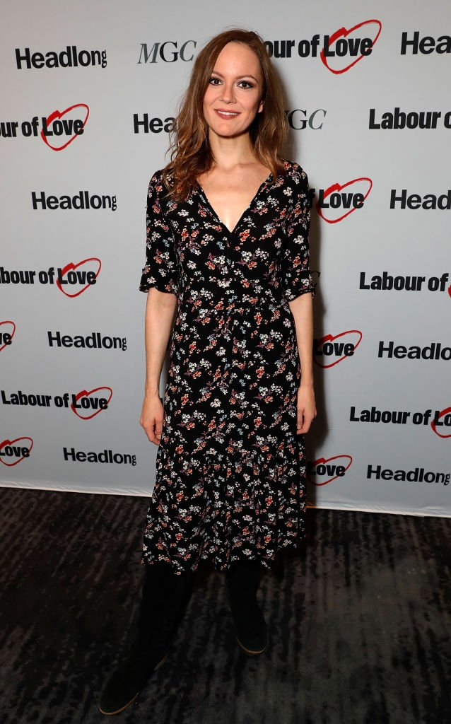 "Rachael Stirling assiste à la nuit de la presse après la fête pour ""travail de l'amour"" au National Cafe le 3 octobre 2017 à Londres, en Angleterre. 