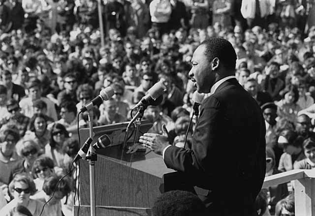 King speaking to an anti-Vietnam war rally at the University of Minnesota in St. Paul, April 27, 1967. | Photo: Wikimedia Commons Images