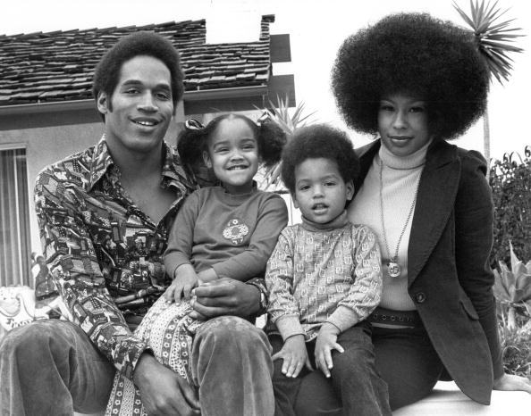 NFL star O.J. Simspson, wife Marguerite (Whitley) Simpson, daughter Arnelle and son Jason on January 8, 1973 | Photo: Getty Images