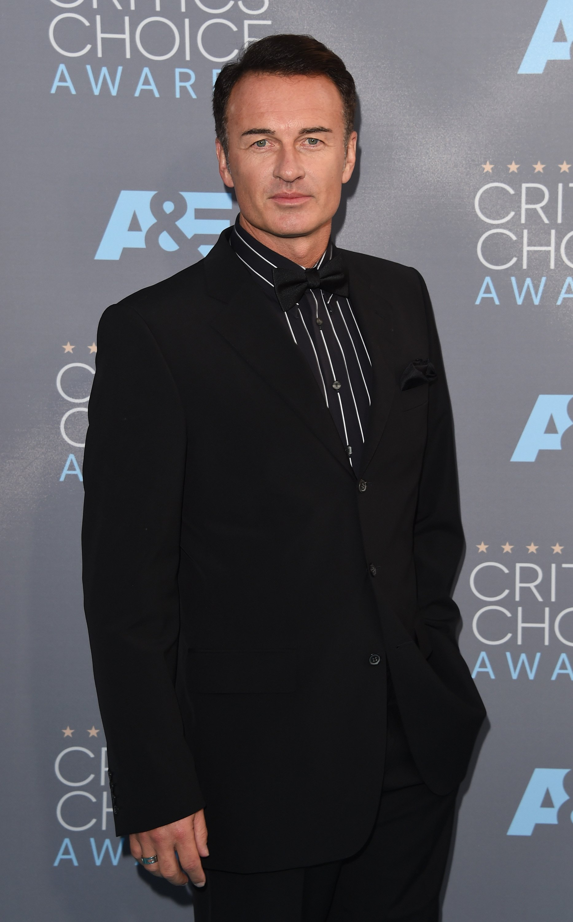 Julian McMahon attends the 21st Annual Critics' Choice Awards at Barker Hangar on January 17, 2016, in Santa Monica, California. | Source: Getty Images.