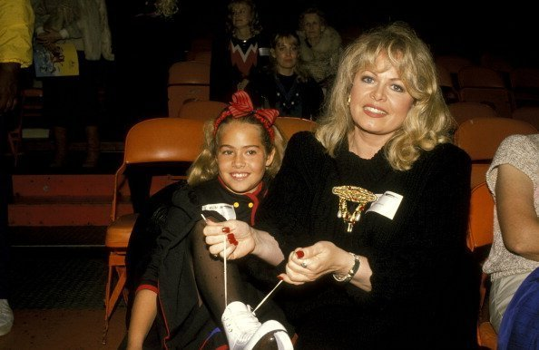 Sally Struthers and Daughter Samantha Rader at LA Forum in Los Angeles, California | Photo: Getty Images