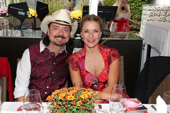 Lanny Lanner und Stefanie Hertel, Ladies Red Wiesn 2020 | Quelle: Getty Images