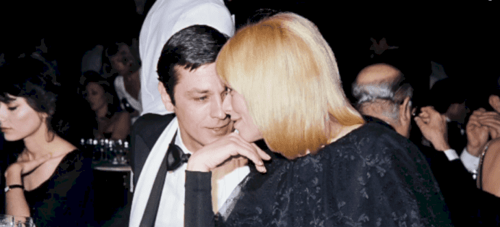 Alain Delon et Mireille Darc. l Source: Youtube / Europe1