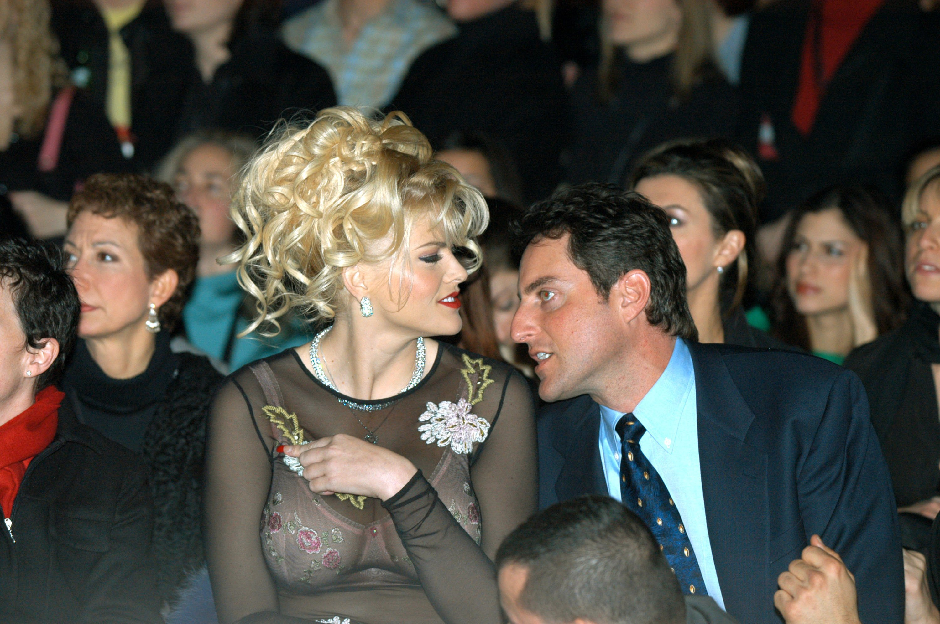 Anna Nicole Smith and Howard K. Stern at the Olympus Fashion Week Fall 2004 in New York City | Photo: GettyImages
