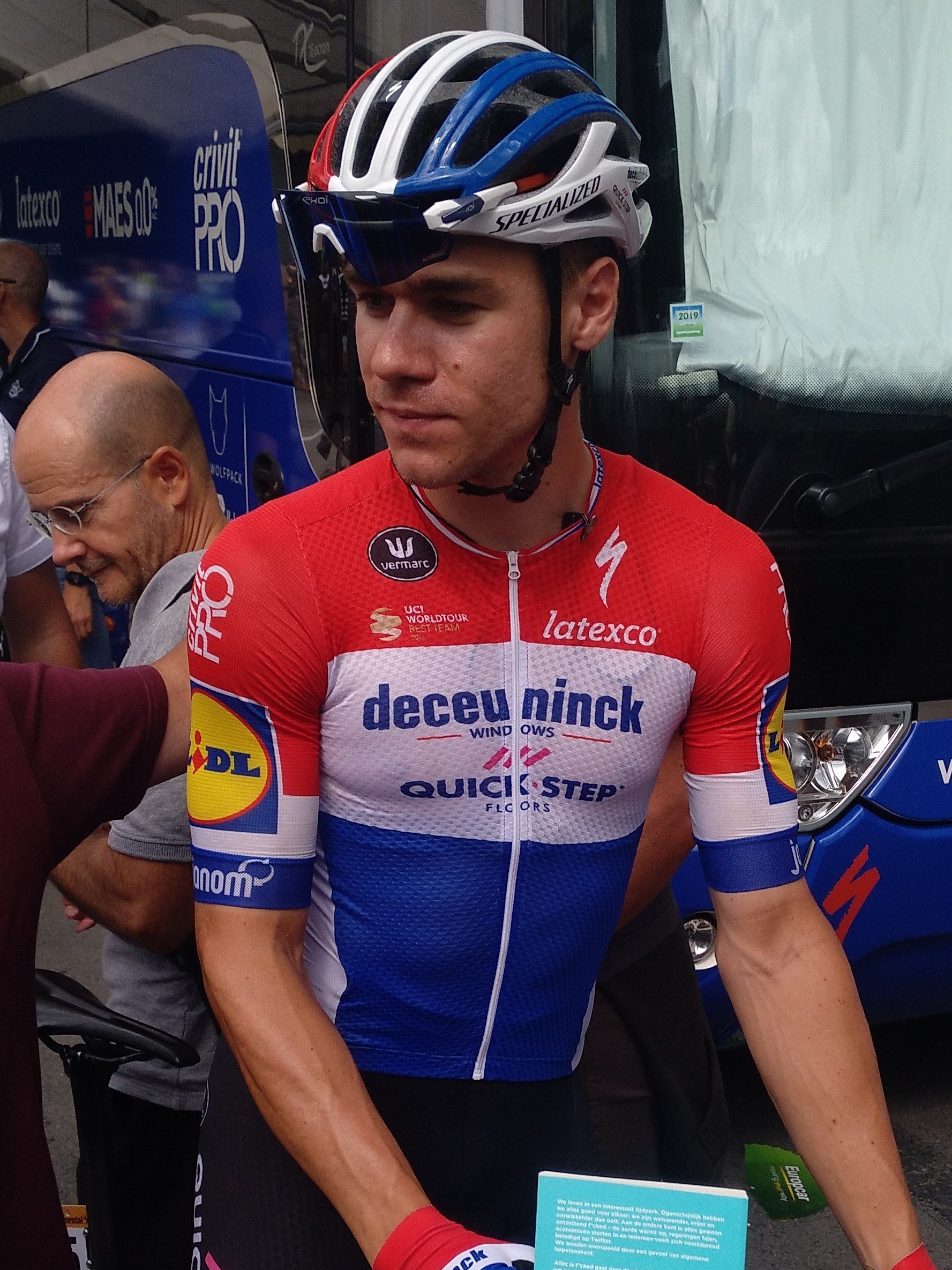 Fabio Jakobsen, from the Deceuninck-Quick Step team, at the start in Bilbao in the 13th stage of the Vuelta a España on September 6, 2019 | Photo: Wikipedia/PB84/Fabio Jakobsen - Vuelta a España 2019/CC BY-SA 4.0