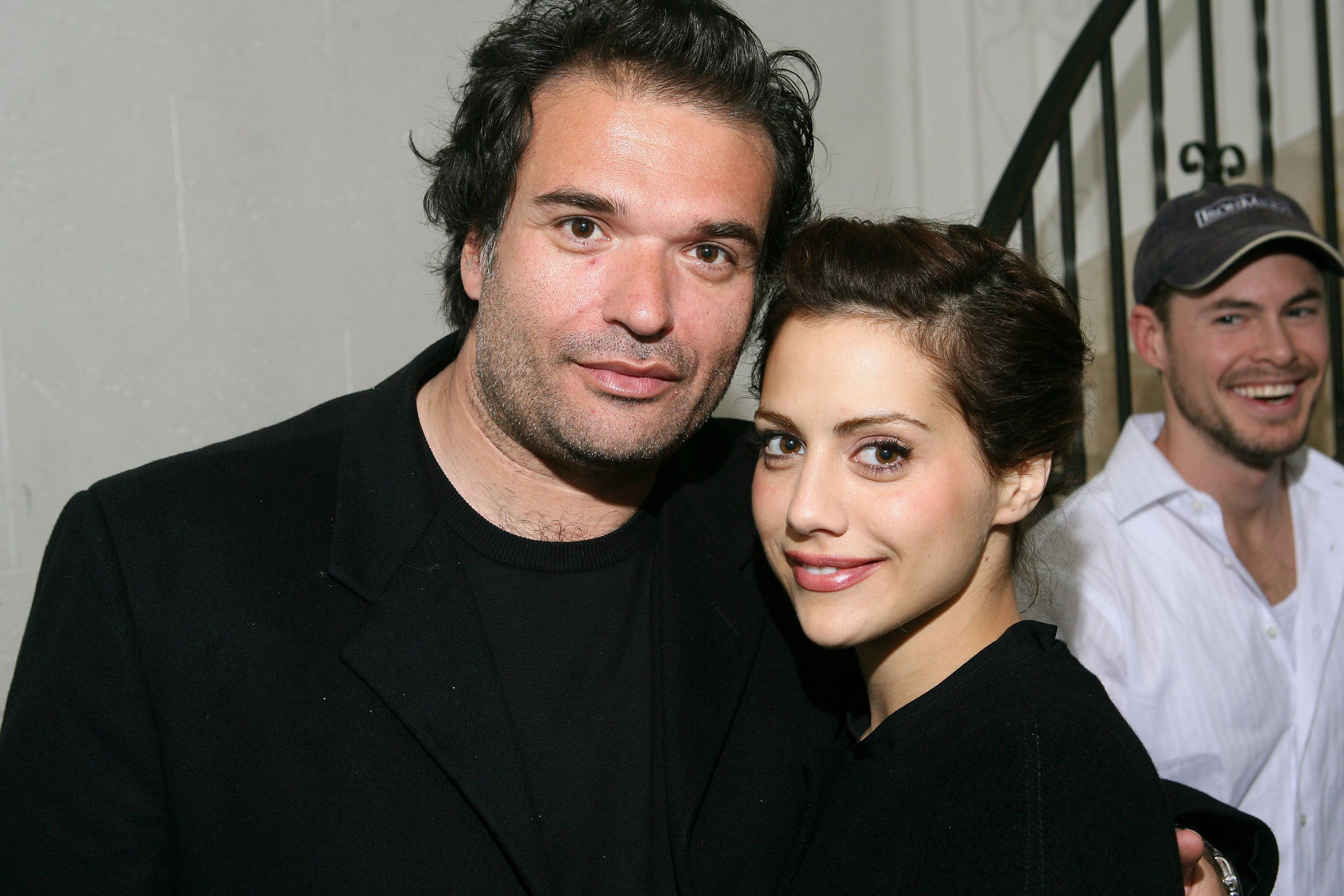 Actress Brittany Murphy posing with husband Simon Monjack   Photo: Michael Bezjian/WireImage via Getty Images