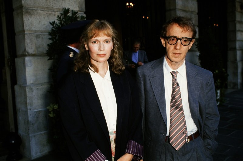 Mia Farrow and Woody Allen in Paris, France on July 24, 1989 | Photo: Getty Images