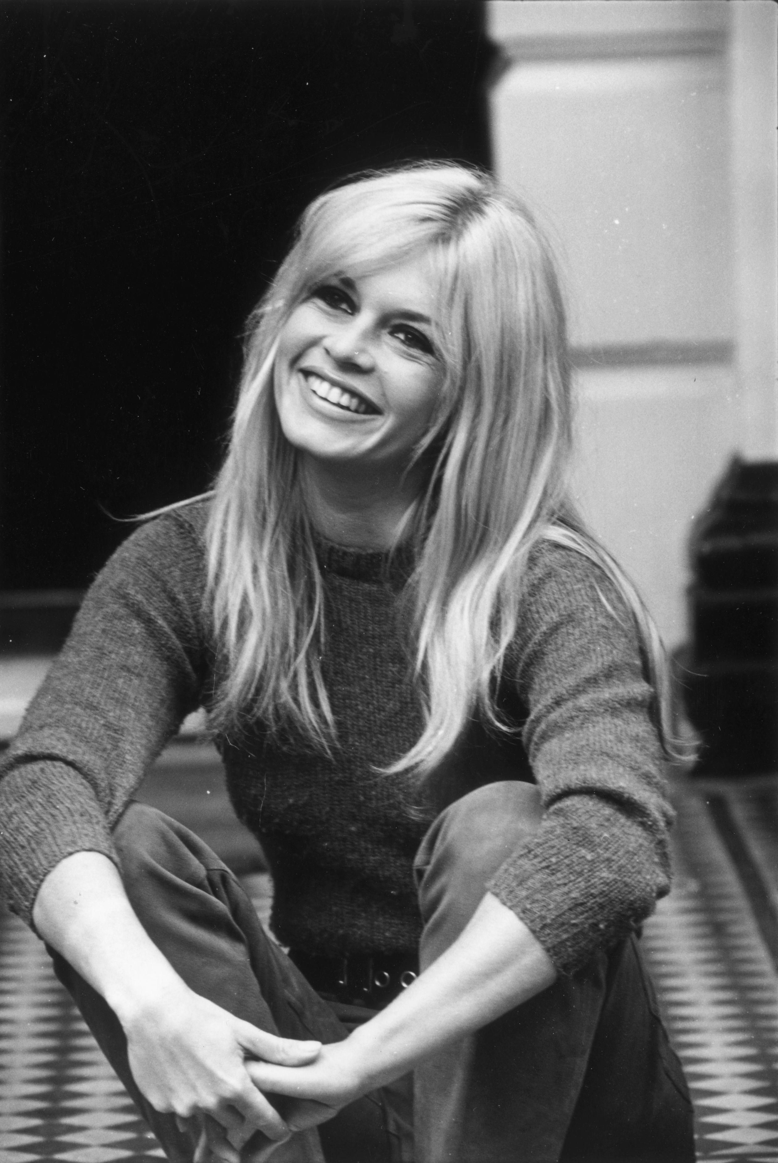 Brigitte Bardot plus jeune et déjà très souriante. l Source: Getty Images