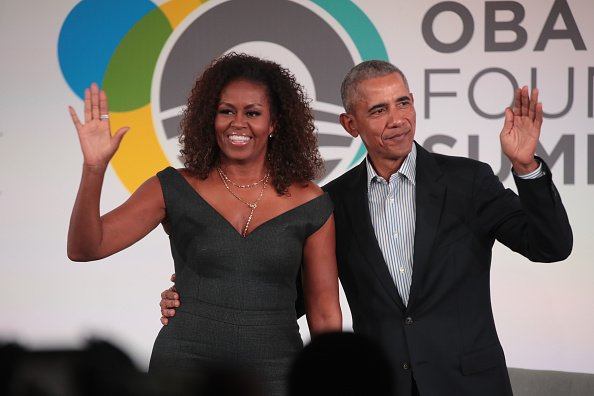 Former U.S. President Barack Obama and his wife Michelle close the Obama Foundation Summit together on the campus of the Illinois Institute of Technology  | Photo: Getty Images
