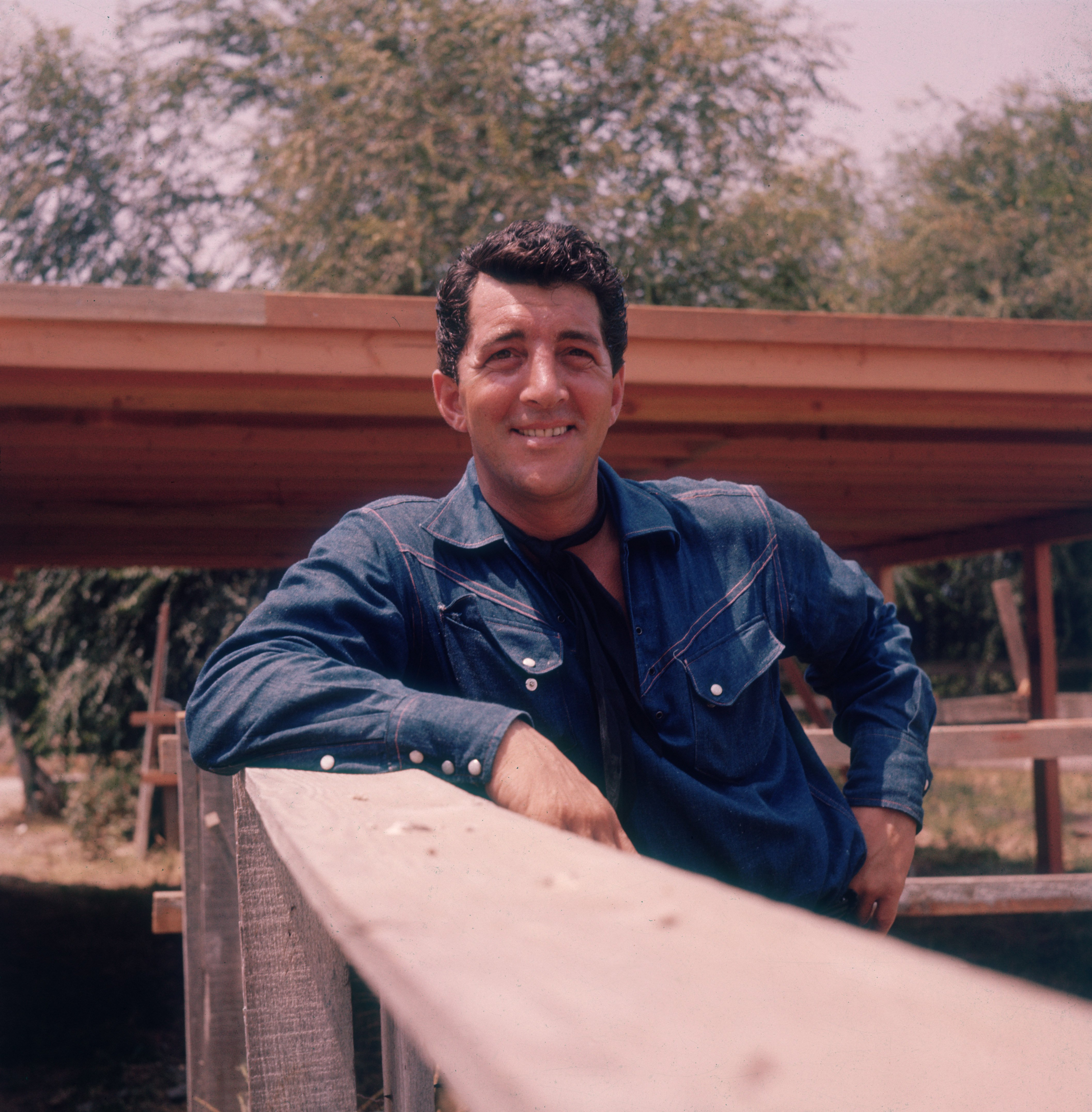 American actor and singer Dean Martin (1917 - 1995) on his ranch, circa 1965. | Photo: GettyImaes