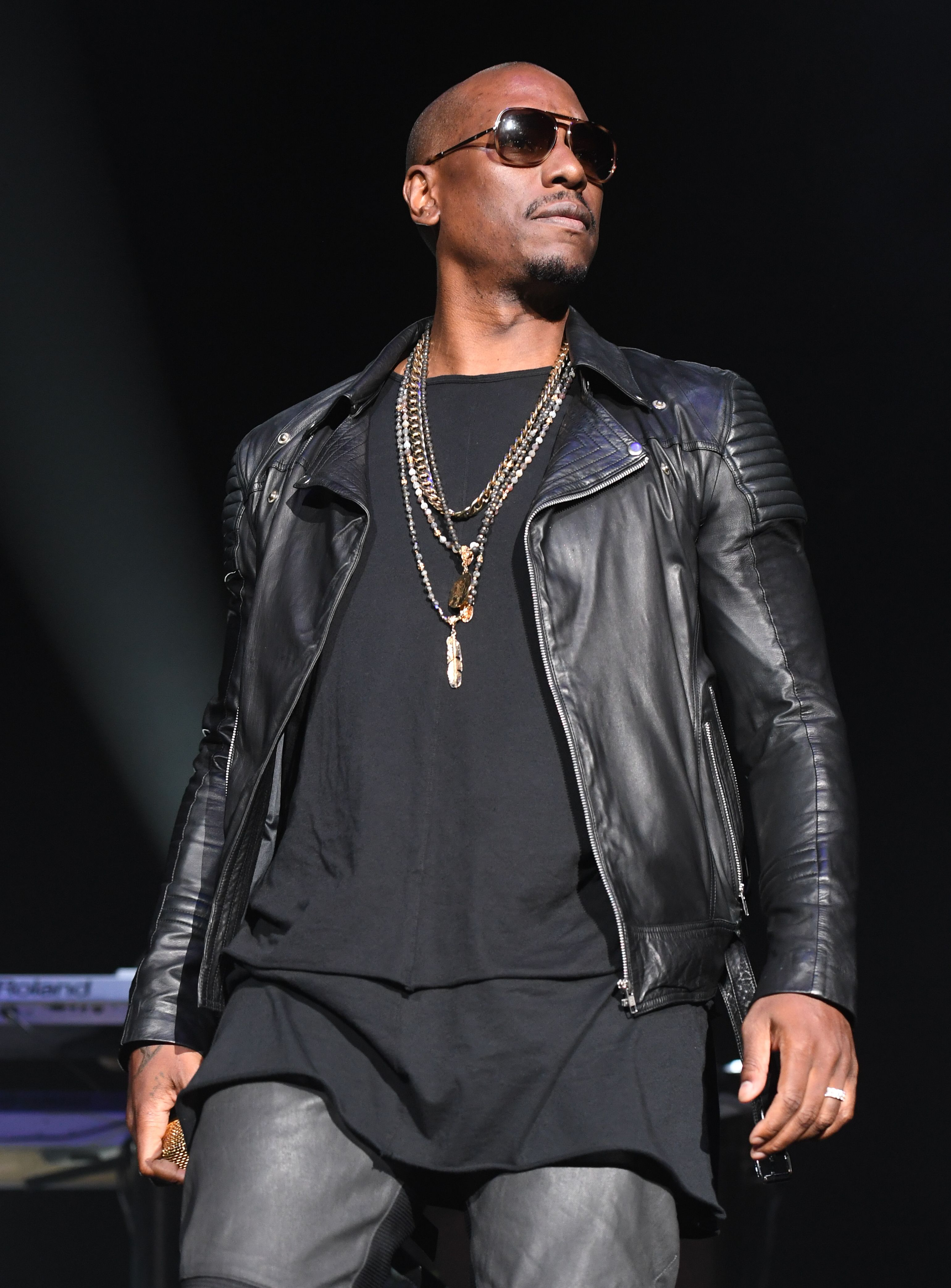 Singer Tyrese Gibson onstage in concert during the R&B Super Jam at Philips Arena on October 28, 2017 in Atlanta, Georgia | Photo: Getty Images