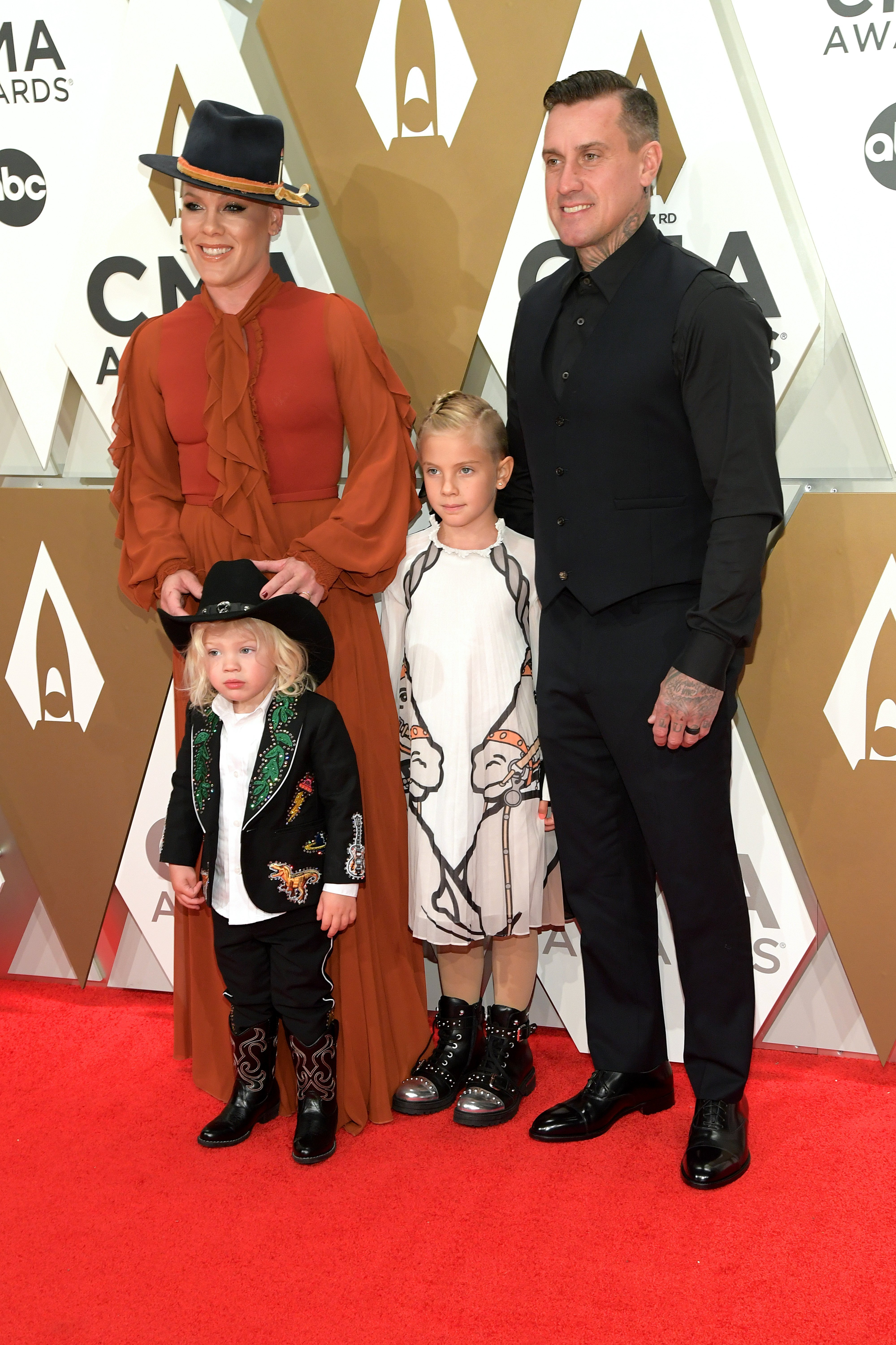 Jameson Hart, Willow Hart, P!nk and Carey Hart attend the 53rd annual CMA Awards at the Music City Center on November 13, 2019, in Nashville, Tennessee. | Source: Getty Images.