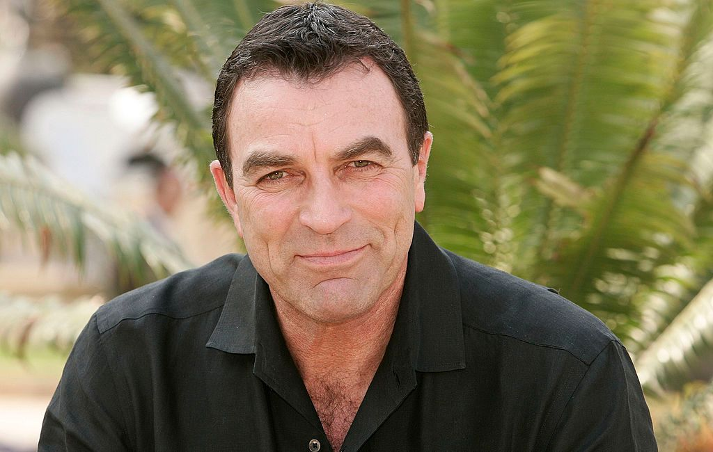 Tom Selleck posed during a photocall at the 44th Monte-Carlo Television Festival on July 1, 2004 in Monte Carlo, Monaco | Photo: Getty Images