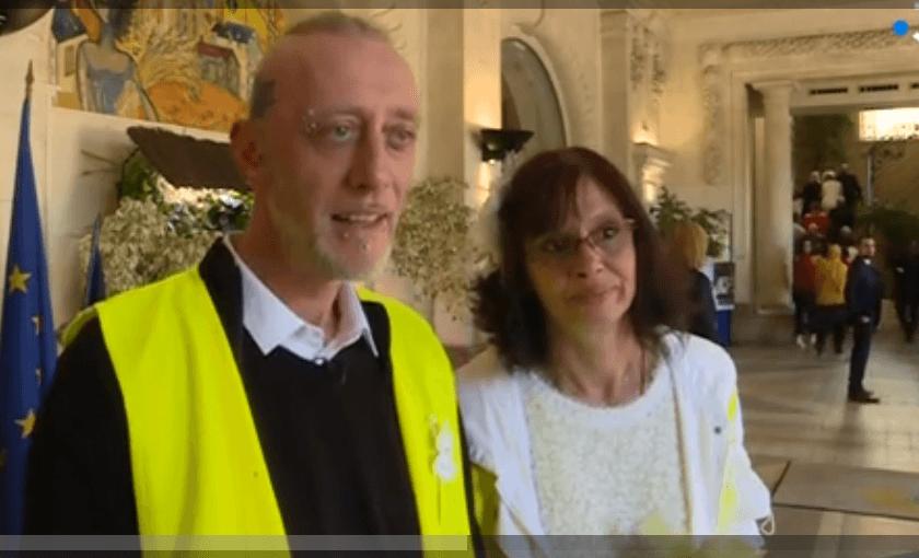 Christel et Ennrick donnent une interview après la cérémonie de leur mariage | Photo: France 3 Auvergne