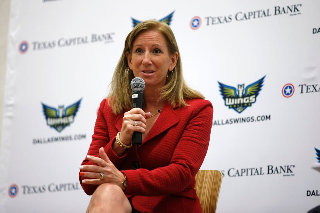 Cathy Engelbert, talks with Dallas Wings season ticket holders before the game | Photo: Getty Images