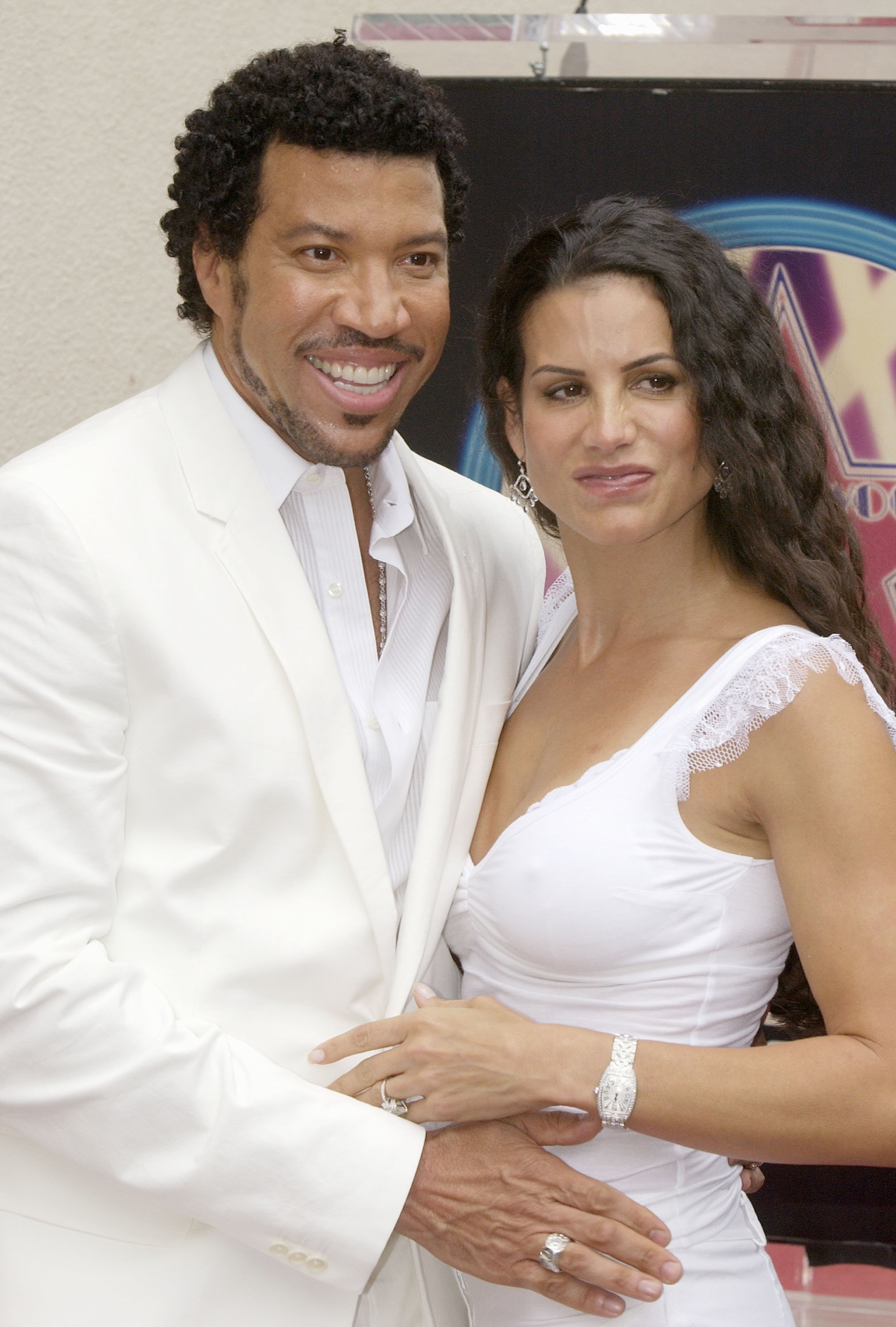 Lionel Richie with wife Diana attend a ceremony honoring Richie with a star on the Hollywood Walk of Fame June 20, 2003 in Hollywood, California | Photo: GettyImages