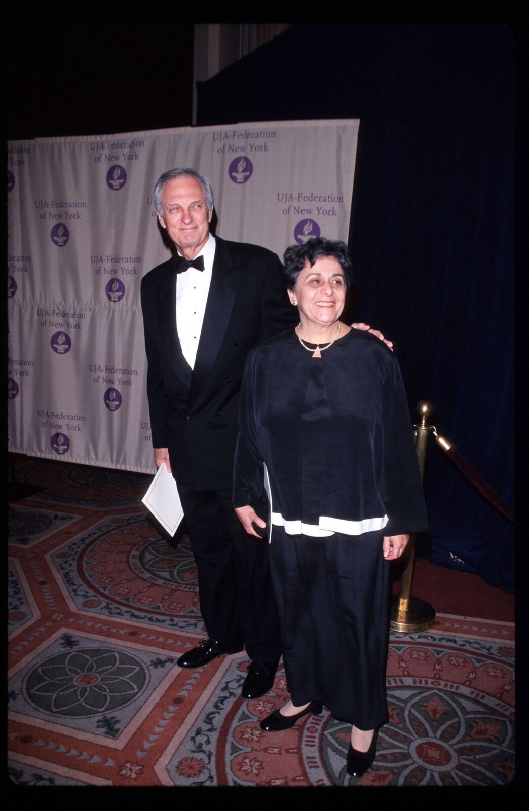 Alan Alda attends awards ceremony with his wife Arlene May 11, 1999 in New York City. | Source: Getty Images