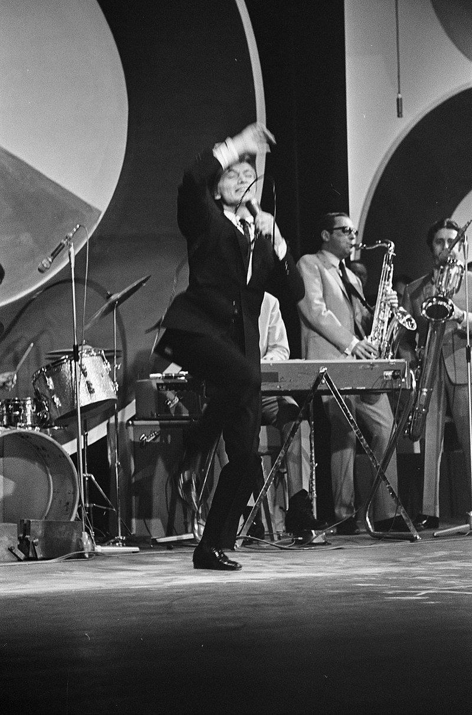 Claude Francois au Grand Gala du Disque en 1965. l Source : Wikimedia Commons