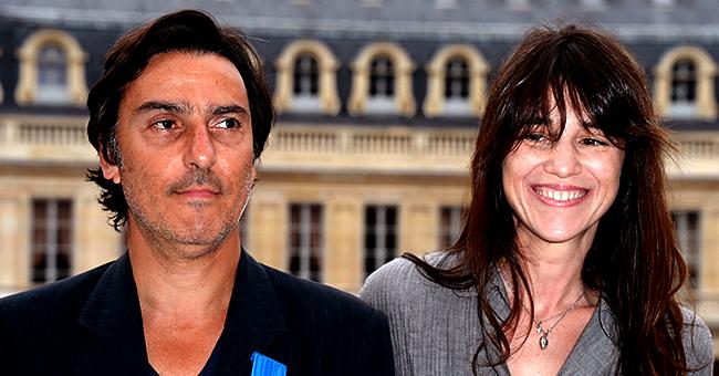 """Charlotte Gainsbourg se moque d'Yvan Attal, en sa présence : """"Il est assez despote"""""""
