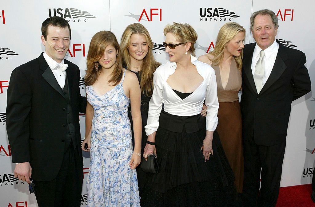 Meryl Streep, husband Don Gummer, and their four children at the 32nd Annual AFI Life Achievement Award: A Tribute to Meryl Streep in 2004 in Hollywood, California | Source: Getty Images