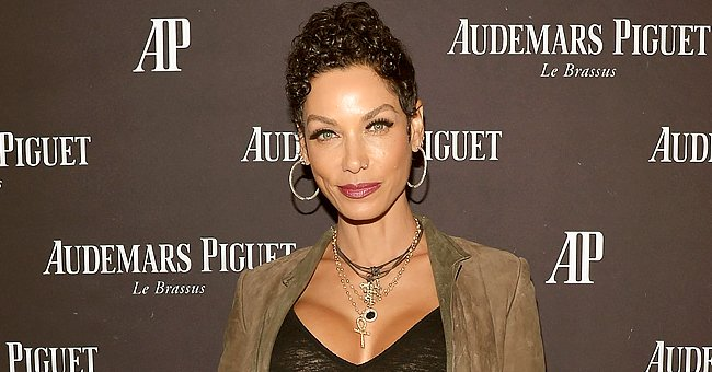 Nicole Murphy Grabs Fans' Attention Showing off Her Stunning Figure in This New Clip