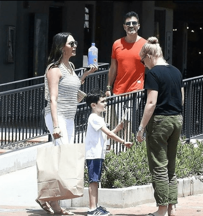 Simon Cowell looked fit as he stepped out in the Malibu sun with his wife and their son, Eric. | Source: Instagram/celebrity_pics