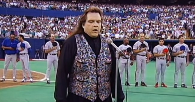 Meat Loaf Performed Amazing Version of the National Anthem 27 Years Ago & It Still Charms Fans