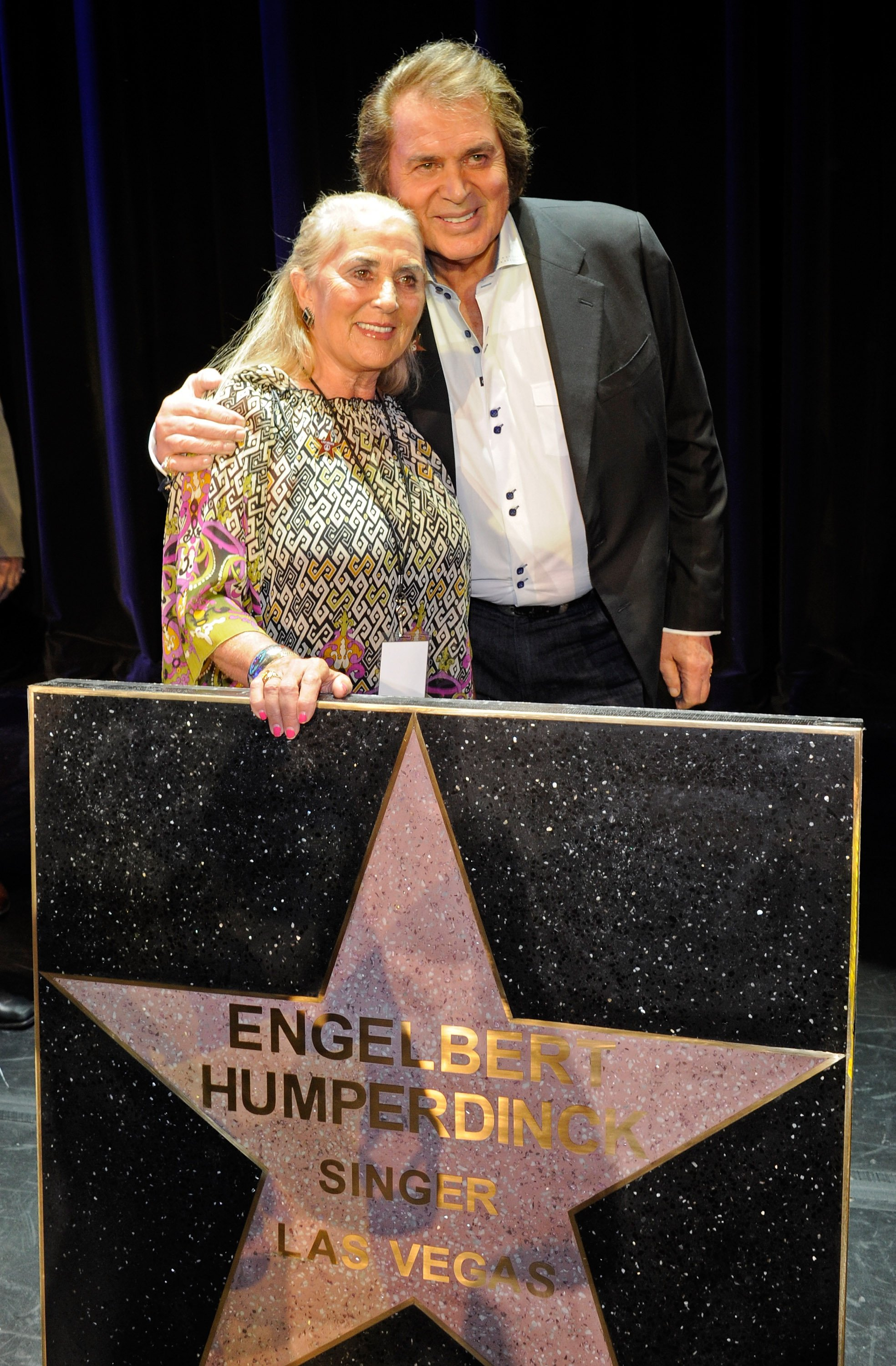 Englebert Humperdinck and his wife Patricia Healey attend the Las Vegas Walk of Stars dedication for the singer in Las Vegas, Nevada on July 20, 2011 | Photo: Getty Images