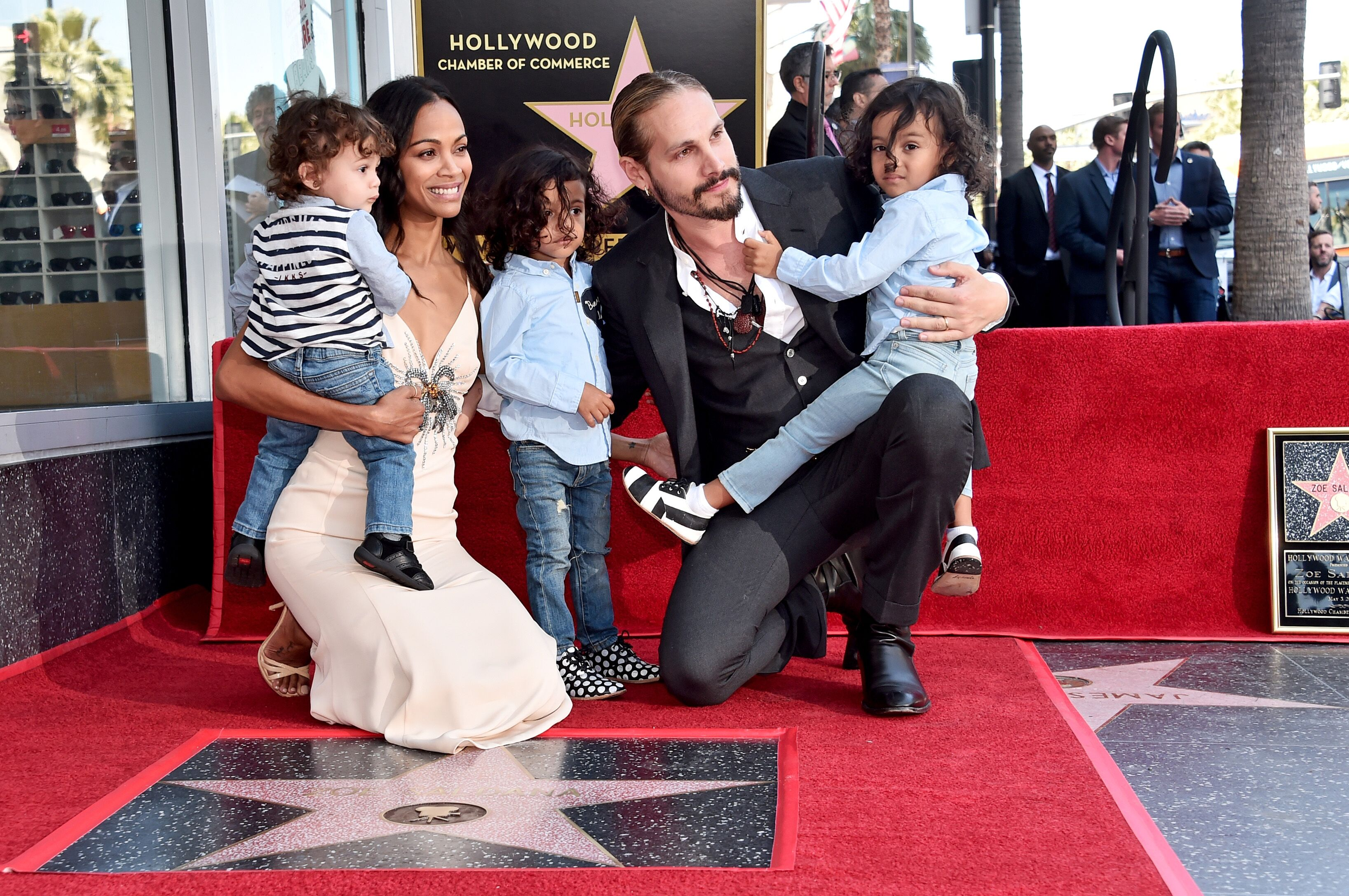 Honoree Zoe Saldana, Marco Perego, and children at the Zoe Saldana Walk Of Fame Star Ceremony in Hollywood, California | Photo: Getty Images