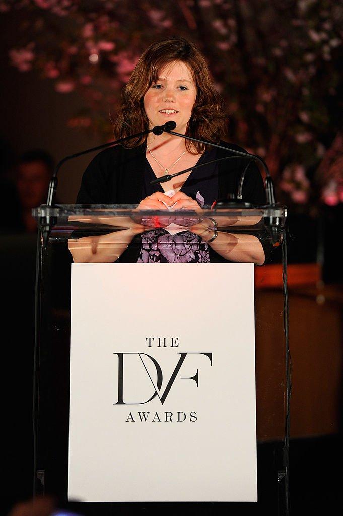 Jaycee Lee Dugard en la tercera entrega de los premios Diane Von Furstenberg el 9 de marzo de 2012 en Nueva York. | Imagen: Getty Images