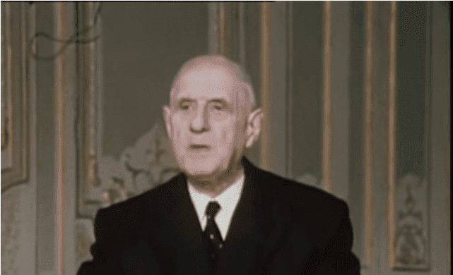 ALLOCUTION DU GENERAL DE GAULLE PRESIDENT DE LA REPUBLIQUE . | Photo : Youtube / Ina Politique