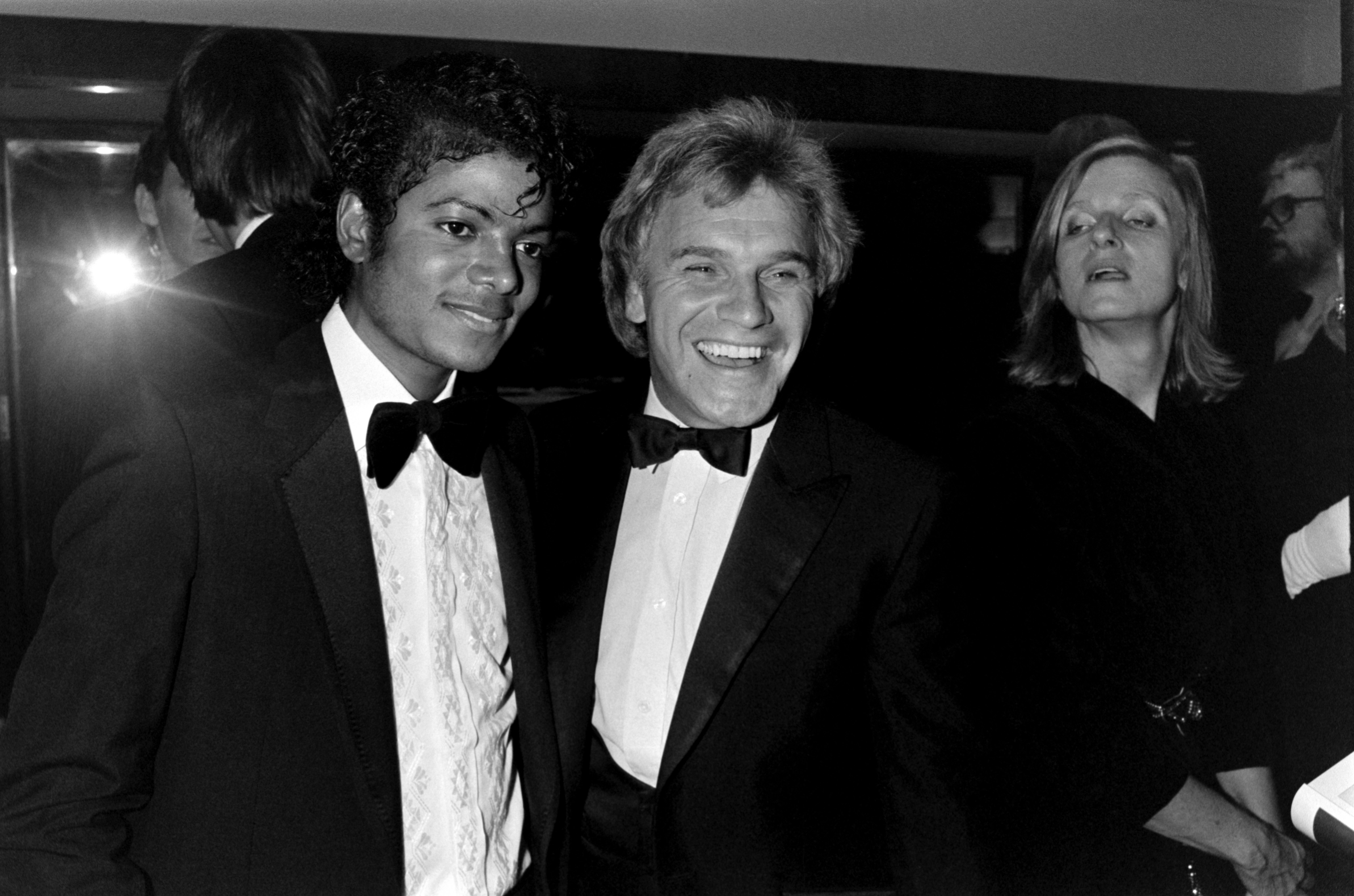 Freddie Starr with a young Michael Jackson at the Brit Awards in London,1983 | Photo: Getty Images