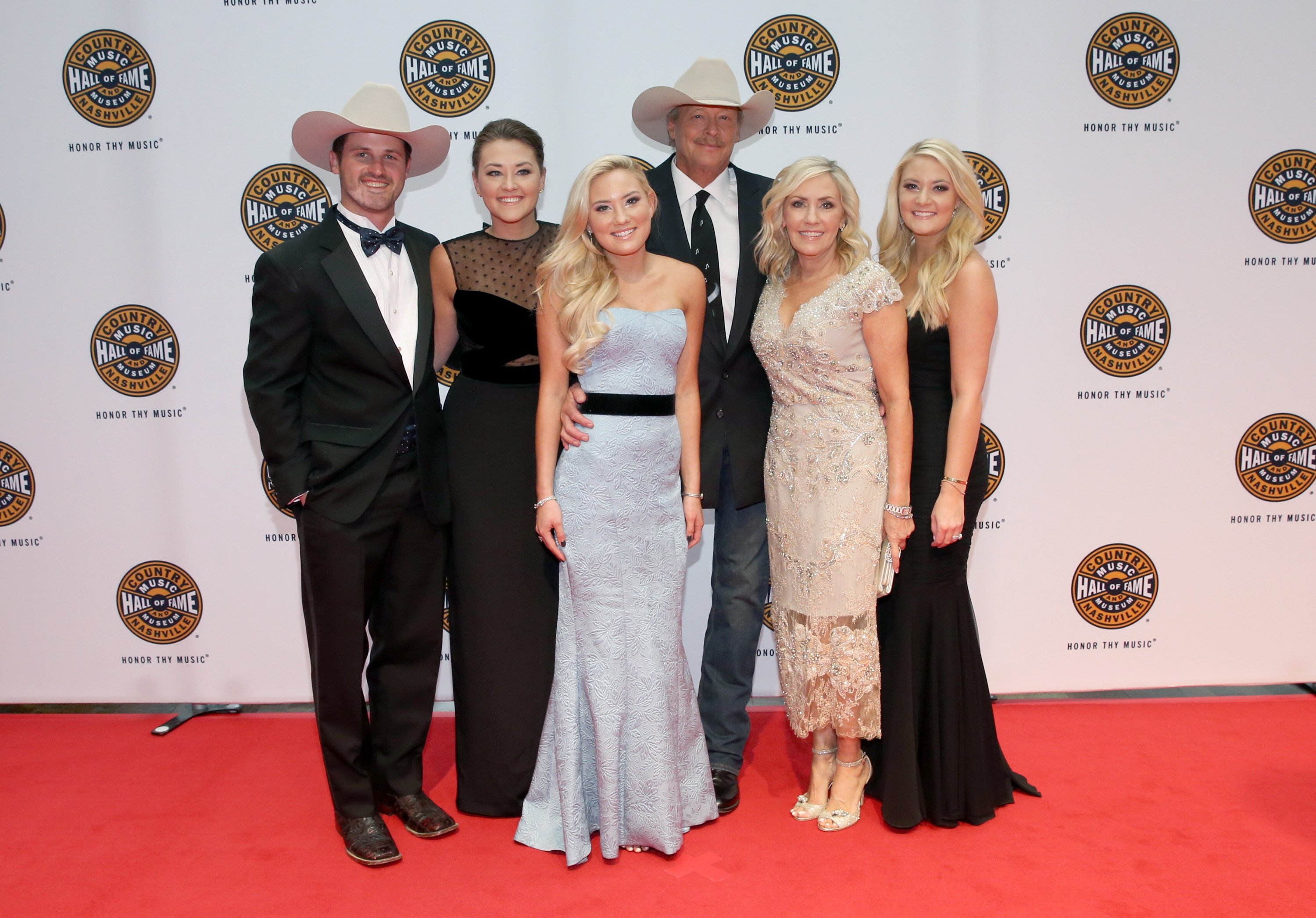 Alan Jackson and family attend the Country Music Hall of Fame in Nashville, Tennessee on October 22, 2017 | Photo: Getty Images