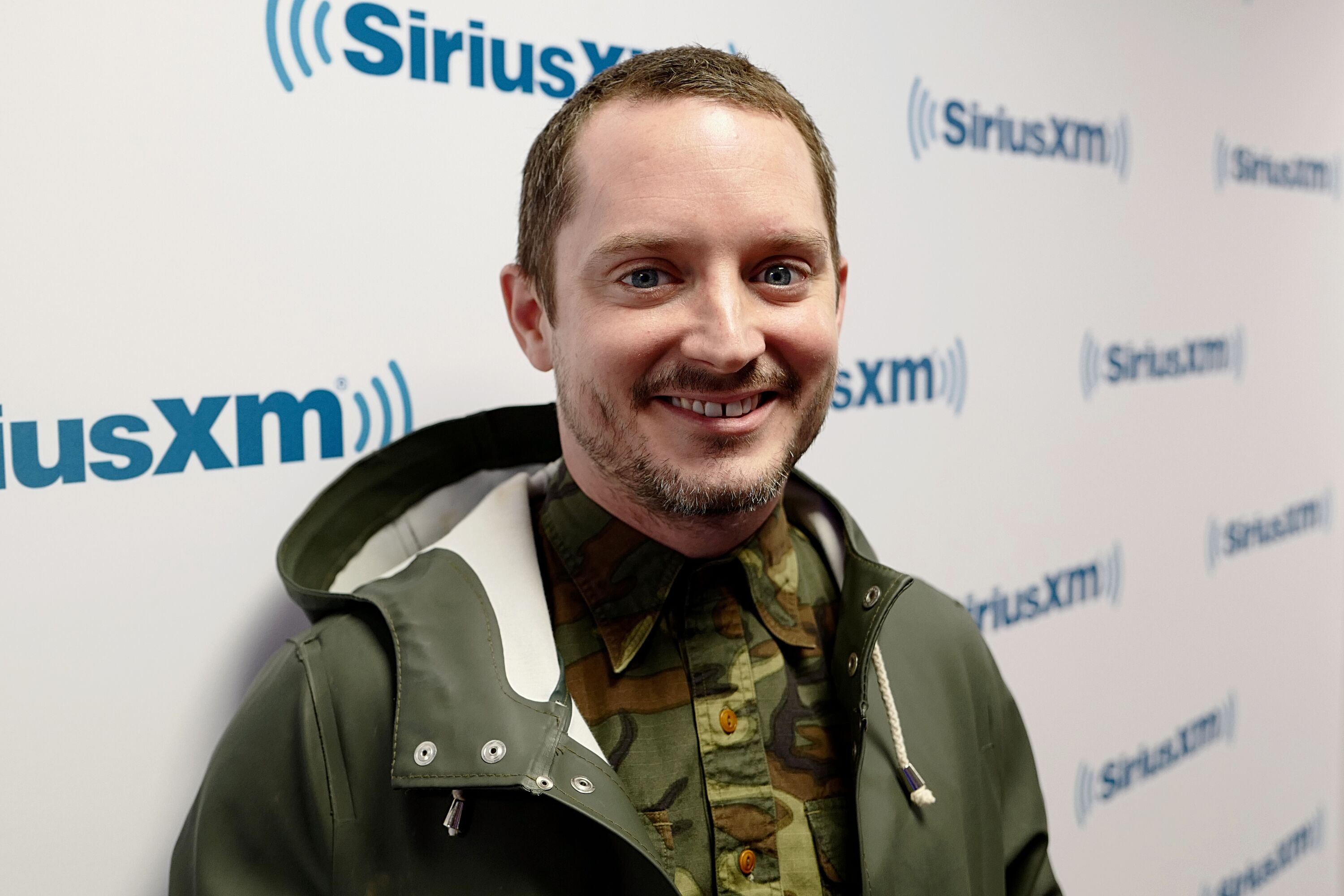 Elijah Wood visits SiriusXM Studios. | Source: Getty Images