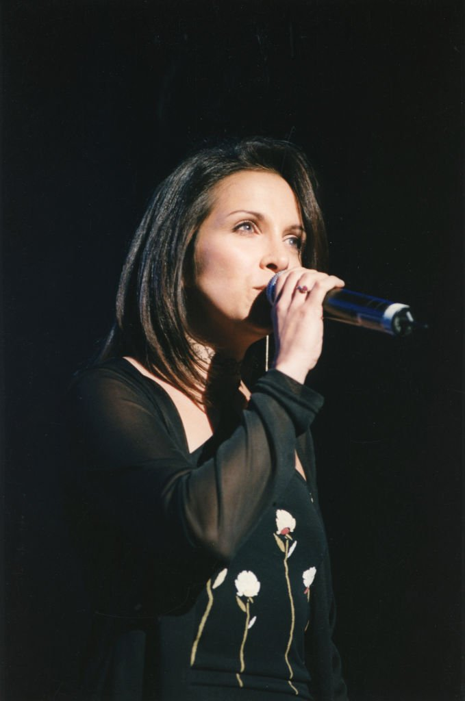 Hélène Ségara en concert à Paris le 22 mai 1998, France. | Photo : Getty Images
