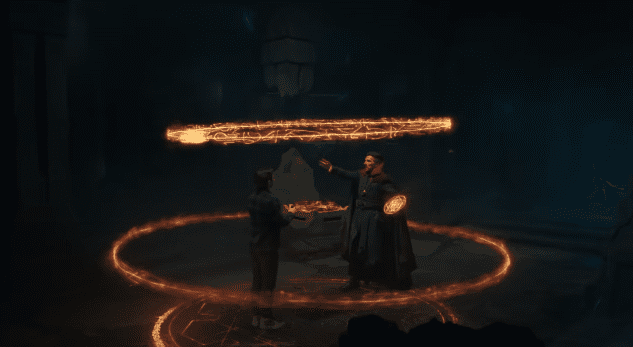 Peter Parker with Doctor Strange, who is performing a spell   Photo: Youtube.com/Marvel Entertainment