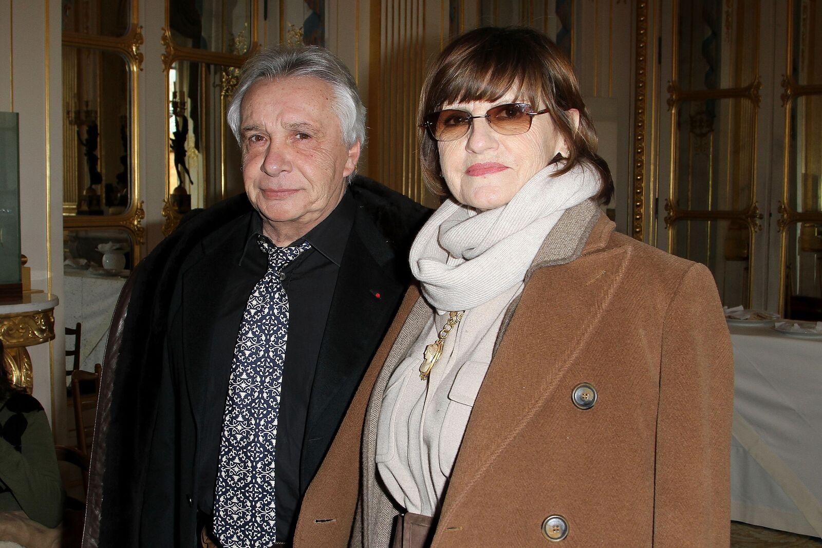 Michel Sardou avec sa femme Françoise Pettré.  | Photo : GettyImage