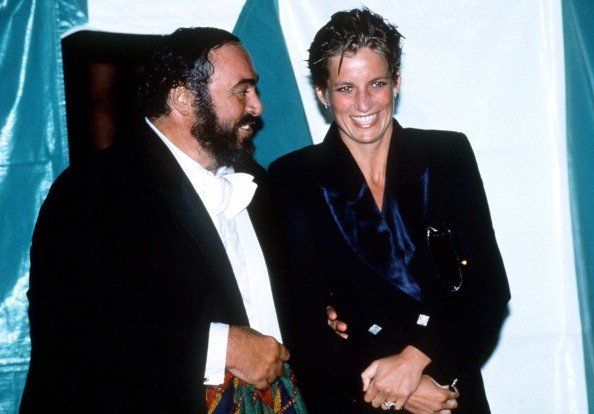 Luciano Pavarotti and Princess Diana at a concert in Hyde Park in 1991 in London, England | Photo: Getty Images