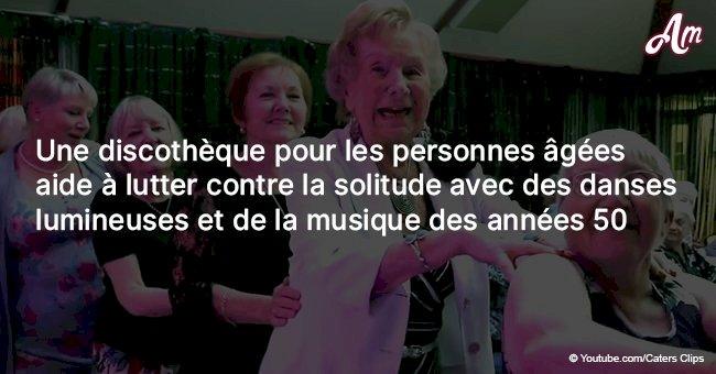 Une discothèque pour les personnes âgées aide à lutter contre la solitude avec des danses lumineuses et de la musique des années 50