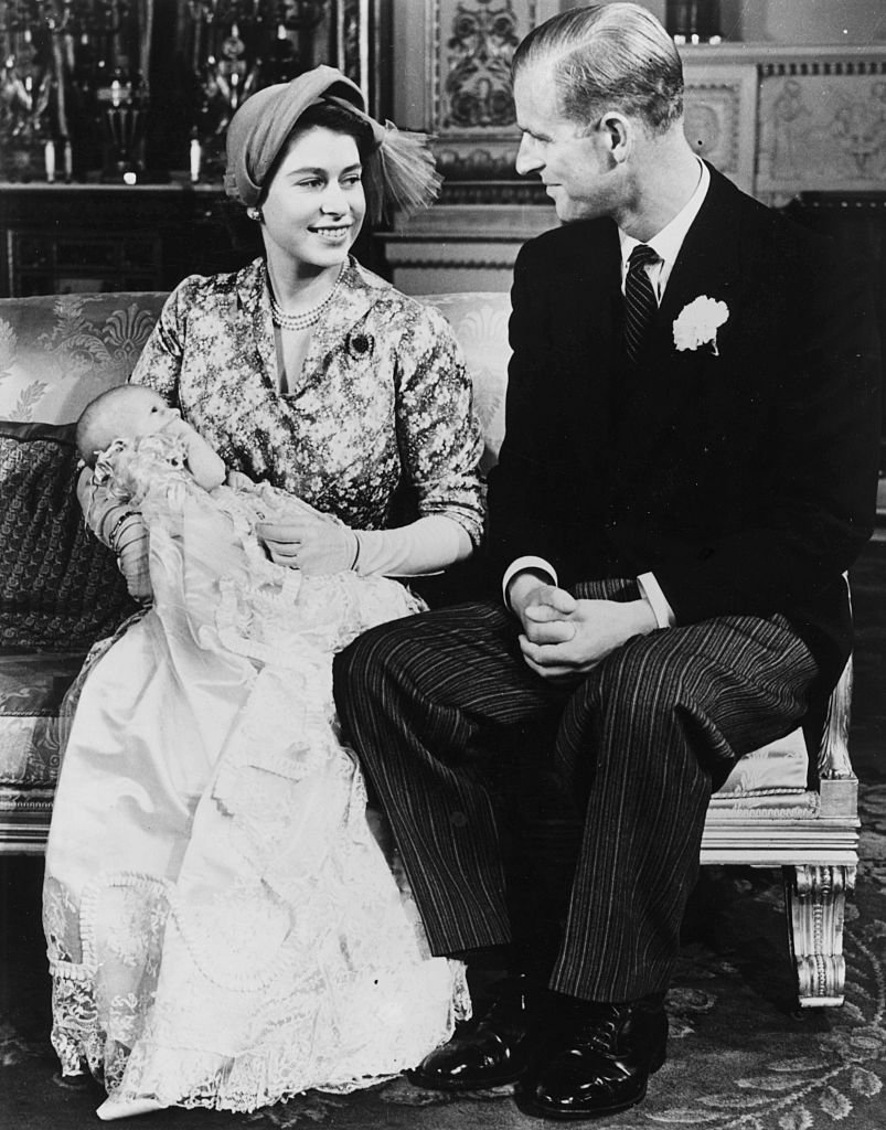 Princess Elizabeth and Prince Philip with their baby daughter Princess Anne at Buckingham Palace, on October 23, 1950 | Photo: Getty Images