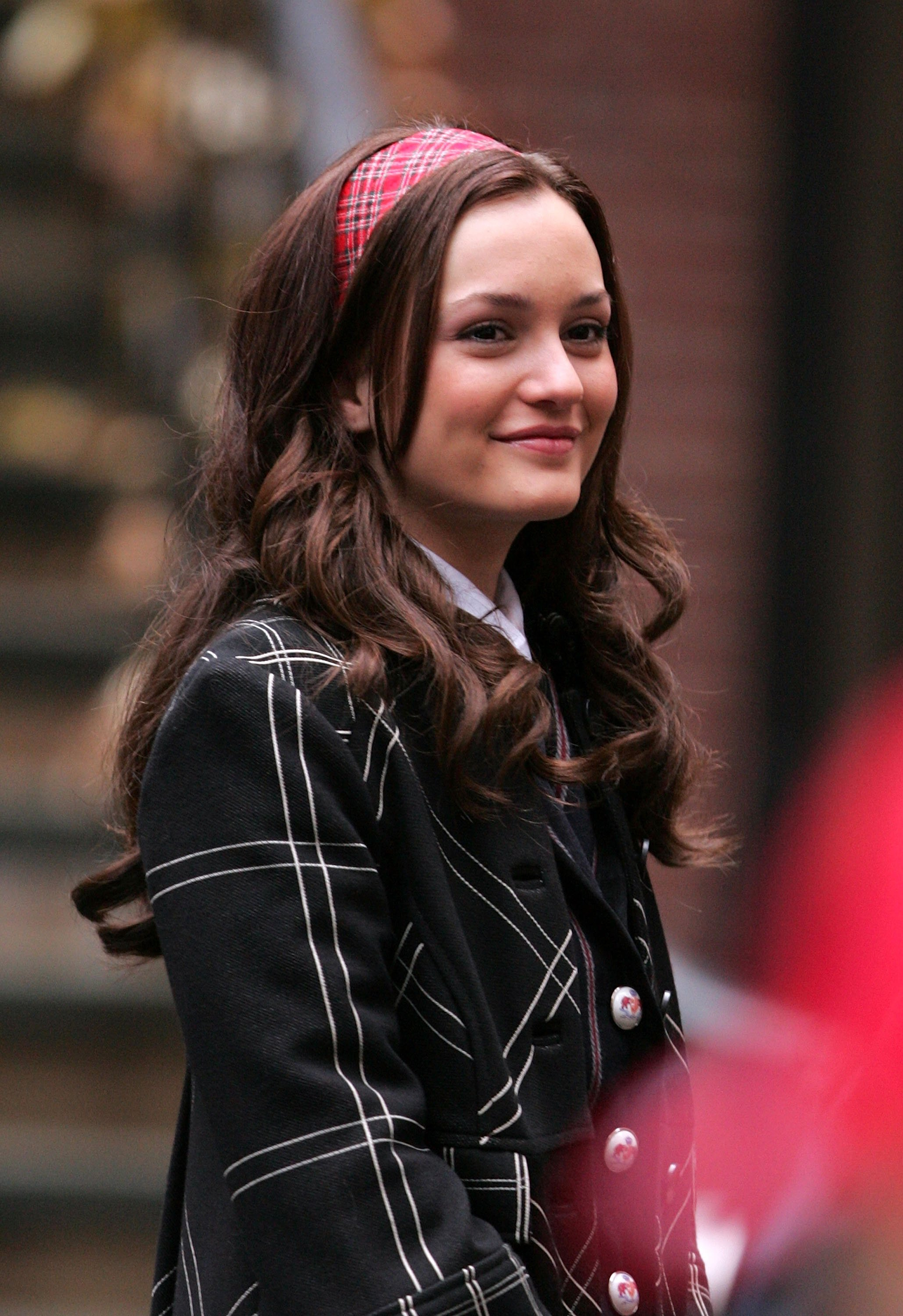 """Leighton Meester on location for """"Gossip Girl"""" on November 26, 2007 in New York City 